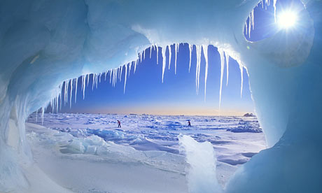 Arctic-ice-cave-001.jpg